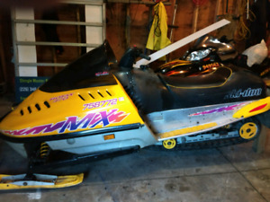 1995 skidoo mx in excellent condition