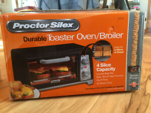 FOR SALE: Proctor Silex Durable Toaster Oven/Broiler