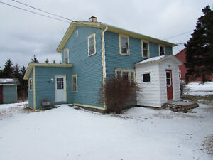 JUST LISTED…2 STOREY SALT BOX..NORTH ARM, HOLYROOD.
