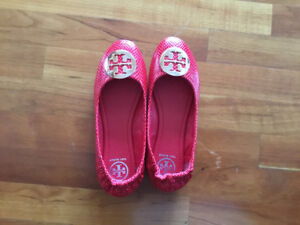 Red Tory Burch flat