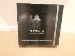 Brand New!ROYAL DOULTON PLATINUM 5piece set