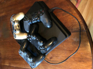 PS4 for Sale (including 4 controllers + 9 games - - $250