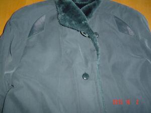Très chaud , manteau ,grandeur 10-12 ans ,,2 photos