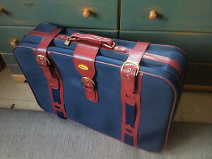 Vintage suitcase luggage mint condition