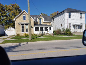 Home flippers special! Lots of work needed Sarnia Sarnia Area image 1