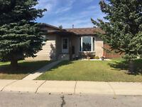 Newly renovated Home and Large Heated Garage in Airdrie