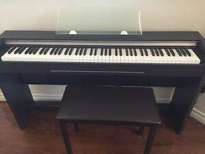 buy or sell pianos keyboards in hamilton musical instruments kijiji classifieds. Black Bedroom Furniture Sets. Home Design Ideas