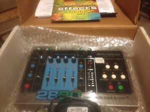 ehx 2880 Stereo Multi-Track Looper & Foot Controller