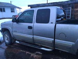 2000 2500lt 6.0l chevy auto fully loaded needs tranny