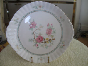 "ABSOLUTELY GORGEOUS OLD ""ROYAL KENT"" BONE CHINA CAKE PLATE"