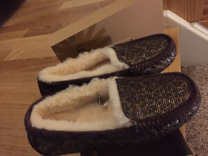 New! Ugg slipper shoes size 5 or 7 reduced!! Kitchener / Waterloo Kitchener Area image 4