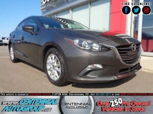 Mazda MAZDA3 GS | Manual | Moonroof | Backup Camera | Bluetooth