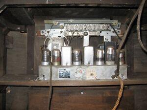 Philco floor model radio Kingston Kingston Area image 3