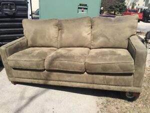 BROWN/GREEN COUCH/SOFA $150.00 FREE DELIVERY (204) 229-3266