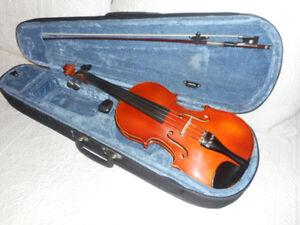 Copy of Antonius Stradivarius Violin / Fiddle