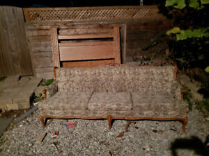 Beautiful vintage couch