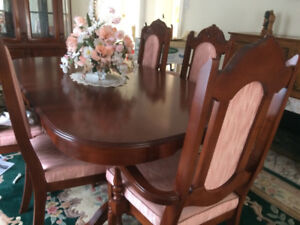 Traditional 7 - Piece Dining Set - Cherry Walnut