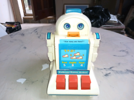 Tomy counting robot