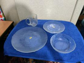 16 piece glass dinner set (set1)