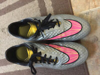 Soccer Cleats NIKE - for sale!!