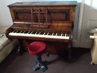 Beautiful antique piano for a cheap price!