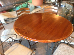 Pine Dining Table & 6 Chairs (Metal & Wood)