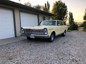 1965 Ford Galaxie Country Sedan Wagon