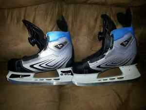 Childs Boa skates size 5