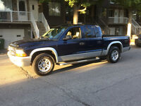 2004 Dodge Dakota QUAD CAB 2004  GARANTIE 1ANS
