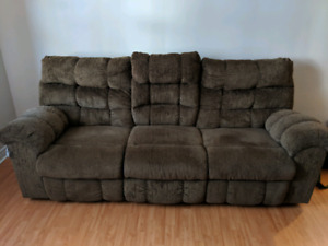 3 seater couch. 300 OBO. Must be picked up.