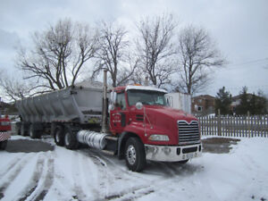 2010 Mack Pinnacle With 2013 Trout River Live Bottom Trailer