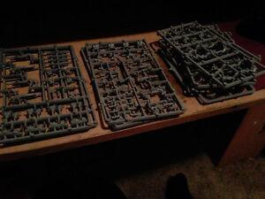 Warhammer 40K 8 Eldar Guardians (UNPAINTED)