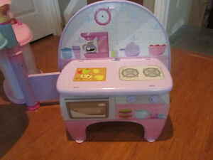 Fisher-Price Little Mommy All-in-One Nursery Play Center Stratford Kitchener Area image 5