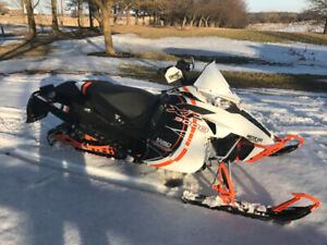 FAST LOW KM ARTIC CAT XL 9000 and SNOWMOBILE TRAILER FOR SALE