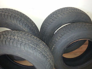 Almost new  4 all season motomaster tire only - 205/70R/15