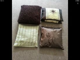 BEAUTIFUL CUSHIONS GREAT CONDITION