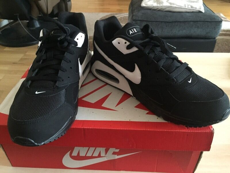fhnwh Nike Air Max Ivo Men Trainers Size 11 | in Hackney, London | Gumtree