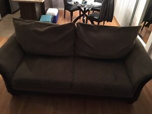 Huge Couch for Sale. Needs to go today. 40$.