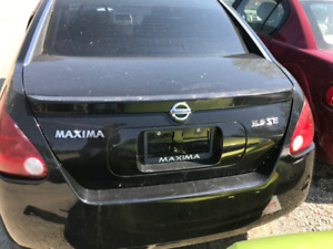 2004 Nissan Maxima ** FOR PARTS ** INSIDE & OUTSIDE **