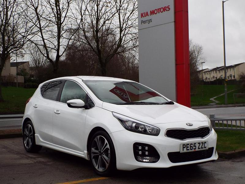 kia ceed 1 0t gdi isg gt line 5 door white 2015 in burnley lancashire gumtree. Black Bedroom Furniture Sets. Home Design Ideas