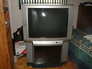 "Toshiba Television 37"" West Island Greater Montréal image 1"