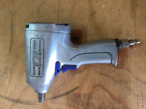 """Campbell Hausfeld ½"""" Impact Wrench Excellent Condition"""