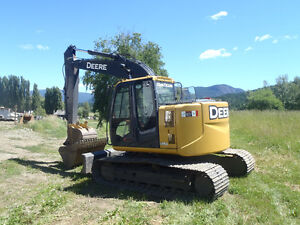 FOR SALE JOHN DEERE 135D