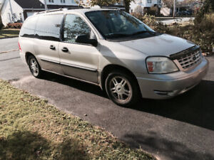 2005 Ford Freestar $1000
