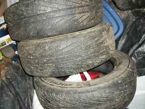 3 pneus michelin d été 215/65/16 presque neufs 689 4721