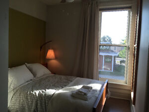 Sunny Bohemian Flat in centre of Town Stratford Kitchener Area image 9