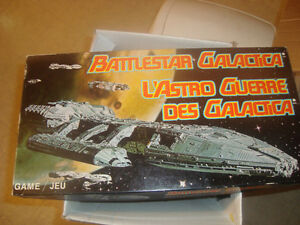 Vintage Battlestar Galactica CANADA Board Game / Bilingual 1978