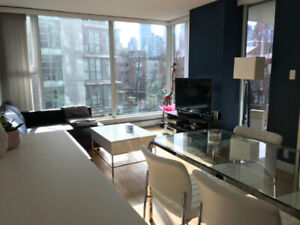 Yaletown, Centrally Located, Fully-Furnished 1-Bed+Den 755-sqft