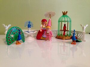 Playmobil Royalty Queen Princess Set with Peacocks, Fountain, et