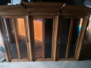 Beautiful Buffet and Hutch for quick Sale